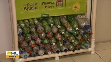 Ação social arrecada lacres de latas de cerveja e refrigerantes para ajudar deficientes - Além de conscientizar as pessoas, dinheiro arrecadado vai servir para comprar equipamentos para deficientes físicos.