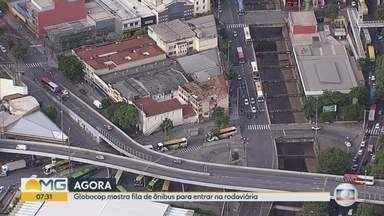 Movimento da rodoviária de Belo Horizonte é grande nesta Quarta-feira de Cinzas - São passageiros que chegam e que saem do terminal depois do feriadão do carnaval.