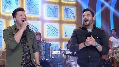 Cleber & Cauan canta 'Quase' - Confira!