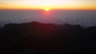Hoje éDia de Trilha: chegando à Pedra do Sino - O pôr do sol é um espetáculo à parte