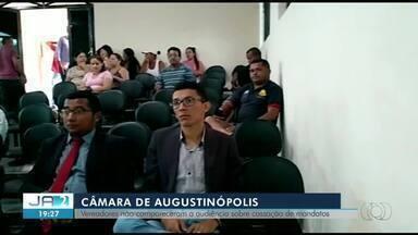 Vereadores investigados por corrupção faltam à sessão para julgar cassação deles - Vereadores investigados por corrupção faltam à sessão para julgar cassação deles