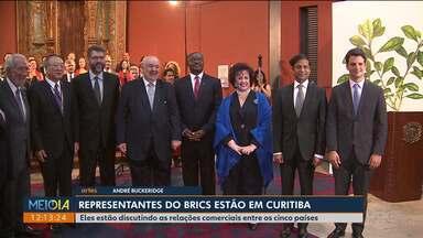 Representantes do Brics fazem reunião em Curitiba - Eles discutem as relações comerciais entre Brasil, Rússia, Índia, China e África do Sul.