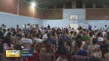 Moradores reclamam que não foram ouvidos sobre projeto da Prefeitura de Belo Horizonte - Projeto tem como objetivo acabar com as inundações na Avenida Vilarinho, na Região de Venda Nova.