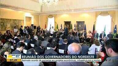 Governadores do Nordeste se reúnem no Maranhão - Durante a reunião, foi assinado acordo de parcerias econômicas, de infraestrutura e sociais.