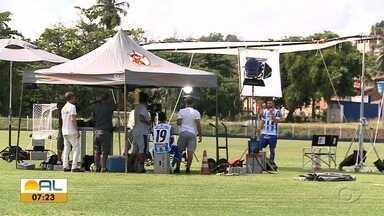 Confira como foi os bastidores das gravações do CSA no Media Day - Jogadores fazem vídeos e chamadas para os programas do Grupo Globo.