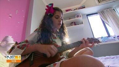 Pernambucana se prepara para disputar batalha musical no The Voice Kids - Palloma Gueiros contou com o apoio dos pais para ensaiar a apresentação do domingo (17).