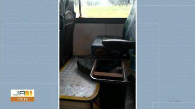 Passageira denuncia precariedade de transporte público - Passageira denuncia precariedade de transporte público