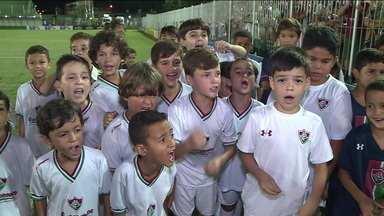 Criançada tricolor se anima com vitória do Fluminense contra o Boavista, pelo Carioca - Criançada tricolor se anima com vitória do Fluminense contra o Boavista, pelo Carioca