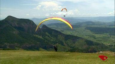 Baixo Guandu recebe campeonato de parapente, no Noroeste do ES - Evento é tradicional na região.
