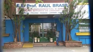 Quatro feridos em ataque a escola de Suzano continuam internados - Dois deles estão no Hospital das Clínicas, em São Paulo, e outros dois estão no Hospital Luzia de Pinho Melo, em Mogi das Cruzes. O quadro de saúde deles é estável.