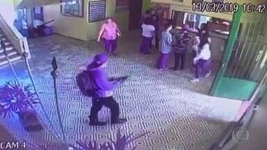 Entenda o passo a passo do ataque em escola de Suzano com imagens exclusivas - O repórter Ernesto Paglia percorreu salas e corredores da escola Raul Brasil. Ataque realizado por jovens terminou com 10 mortos e 11 feridos.