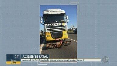 Motociclista morre após ser atropelado por carreta na Rodovia Anhanguera em Sumaré - O acidente grave aconteceu neste domingo (17), por volta das 7h, no KM 108, sentido capital. O motociclista perdeu o controle e caiu na pista.