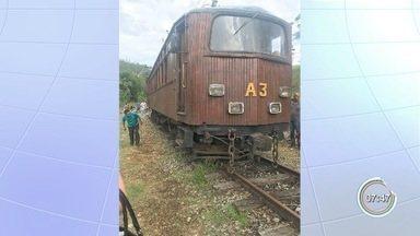 Bondinho de Pindamonhangaba descarrila durante passeio - Bondinho saia da estação central com destino ao Piracuama, quando descarrilou próximo ao parque Reino das Águas Claras. Ninguém ficou ferido.