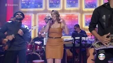 Naiara Azevedo canta 'Avisa Que Eu Cheguei' - Confira!