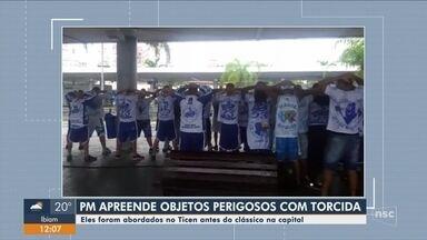 Polícia apreende morteiros e bastões de ferro com torcedores do Avaí em Florianópolis - Polícia apreende morteiros e bastões de ferro com torcedores do Avaí em Florianópolis