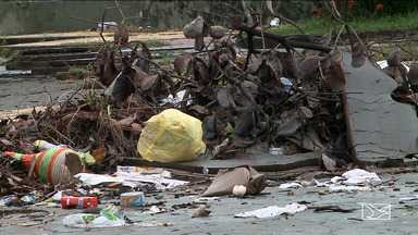 Falta de manutenção nas praças incomoda moradores de bairro em São Luís - Moradores do bairro Vinhais reclamam do lixo e do mato que tomam conta das praças e atrapalha o lazer da comunidade.