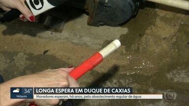 O RJ Móvel abriu a semana em Duque de Caxias - Os moradores convivem há anos com o fornecimento irregular de água. A Cedae diz que a obra pre resolver o problema ficará pronta em outubro desse ano.