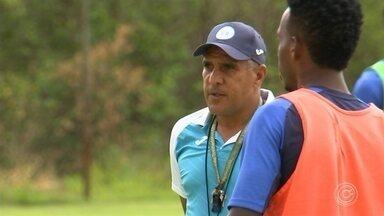Silas não é mais técnico do São Bento - Treinador não resiste ao rebaixamento para a Série A2 do Paulista e deixa o clube após um empate e quatro derrotas; clube busca treinador para a Série B do Brasileiro