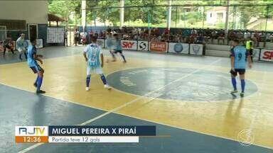 Russinho dá novo show e conduz Piraí na vitória sobre Miguel Pereira por 7x5 - Ele marcou três vezes e ajudou a garantiu placar da equipe fora de casa, na Quadra do Roseiral. Pivô, que lidera artilharia, já havia feito cinco gols na estreia.
