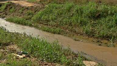 Chuva causa prejuízos a moradores do distrito de Palmeiras, em Suzano - Temporal da semana passada atingiu as casas dos moradores do local.