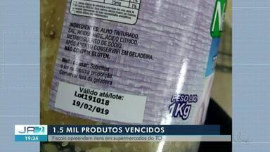 Produtos vencidos são apreendidos pelo Procon em supermercados - Produtos vencidos são apreendidos pelo Procon em supermercados