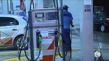 Preço da gasolina deve passar dos R$ 4,77 nos próximos dias em Uberaba - Petrobras anunciou mais um aumento no valor do combustível nas refinarias.
