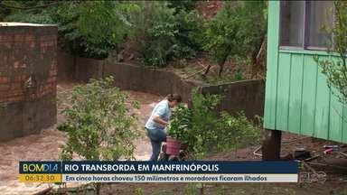 Chuva forte causa estragos no Sudoeste do Paraná - Moradores da pequena cidade de Manfrinópolis contabilizam estragos.