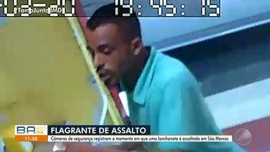 Imagens mostram assalto a lanchonete no bairro de São Marcos, em Salvador - O crime foi na noite de quarta (20).