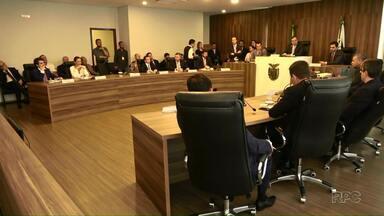 Projeto que pretende acabar com as aposentadorias de ex-governadores é aprovado - A Comissão de Constituição e Justiça da Assembleia Legislativa aprovou por unanimidade o projeto.