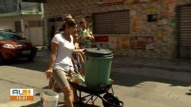 Moradores do bairro Petrópolis reclamam da falta de água - Segundo a população, o problema ocorre desde o início do ano mas a conta de água não para de chegar.