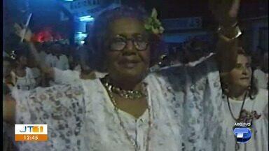 Professora em Santarém, Helena Bezerra morre aos 97 anos - A professora fez história na educação da cidade. Trabalhou na área até os 80 anos. Na área cultural, Helena também deu sua contribuição ao Carnaval de Santarém.