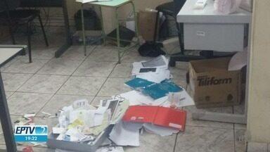 Em Franca, SP, ladrões furtam biblioteca que fica na Estação - Eles levaram um computador. Quem frequenta o lugar considera um desrespeito à cultura e ao patrimônio público.