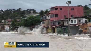Marinha alerta para ciclone na costa do ES com ventos de até 100 km/h - Ondas podem chegar a quatro metros.