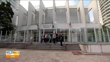 Teatro Paulo Eiró é fechado pela 3ª vez - Um teatro super importante para a Zona Sul da capital foi fechado pela terceita vez. O Teatro Paulo Eiró, em Santo Amaro, é o segundo maior teatro público da capital e residência artística oficial da Orquestra Filarmônica Santo Amaro.