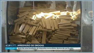 Polícia Rodoviária de Iporã apreende mais de meia tonelada de maconha - A droga estava escondida num furgão atrás de uma mini cozinha.