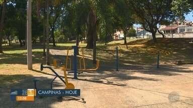 'Até Quando?': Prefeitura realiza limpeza de praça no Jardim Leonor - Após denúncia, limpeza foi feita e moradores conseguem aproveitar o espaço de lazer.