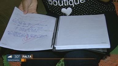 Alunos de escola municipal estão sem professor de matemática e português em Serrana, SP - Prefeitura informou que os professores titulares estão afastados por problemas de saúde.