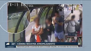 Câmera de segurança registrou momento em que carro invade a calçada e atropela três - Um homem morreu e outro teve as duas pernas amputadas. Uma mulher teve ferimentos leves.