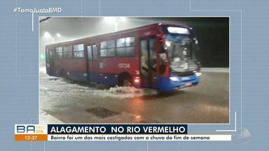 Bairro do Rio Vermelho foi um dos mais atingidos pelas chuvas em Salvador - A chuva forte atingiu diversos pontos da capital baiana na segunda (25).