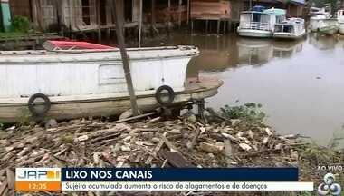 Lixo nos canais é um problema muito comum em Macapá - Sujeira acumulada aumenta o risco de alagamentos e de doenças.