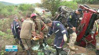 Grave acidente é registrado na Serra do Vento em Saloá - Duas pessoas morreram