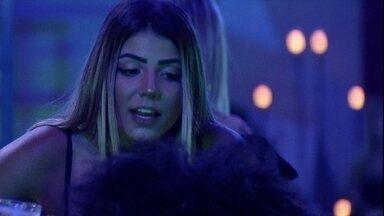 Gabriela lembra de Elana em Festa Luz e Hariany comenta: 'Eu dançava com ela' - Gabriela lembra de Elana em Festa Luz e Hariany comenta: 'Eu dançava com ela'