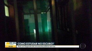 Escola pública no bairro da Aclimação está sem energia elétrica - É a segunda escola pública em que alunos estudam sem luz em SP.