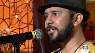 Bráulio Bessa declama cordel sobre pais e filhos - Confira o 'Poesia com Rapadura' desta sexta-feira