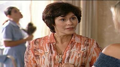 O Retorno Da Velha - O condomínio está um caos e cheio de problemas. Marlene, que está mais tranquila após seu retiro espiritual, propõe uma nova eleição de síndico. Marlene, Sandy e Tony concorrem.