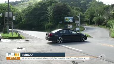 Motoristas reclamam das condições da estrada Paraty-Trindade - Além de estreita, falta sinalização.