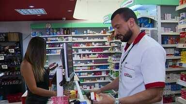 Preço de medicamentos vai subir e muita gente aproveitou para economizar - A taxa dos remédios deve aumentar a partir de segunda-feira.