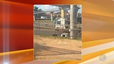 Morador flagra motorista entrando com carreta na contramão da rodovia Marechal Rondon - Morador flagra motorista entrando com carreta na contramão da rodovia Marechal Rondon.
