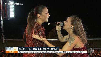 Fã descoberta no 'Minha Vida no Buzu' realiza o sonho de cantar com Ivete - Relembre a história de Tatti Aboim e veja como foi a apresentação com Ivete.