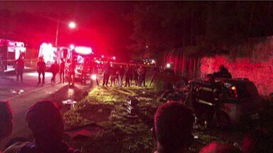Duas pessoas morrem em acidente em Suzano - Colisão entre dois carros aconteceu na Estrada Ipelândia.